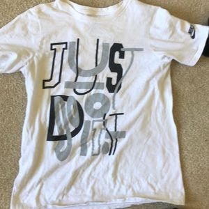 Nike Shirts - Nike Tee triple bundle